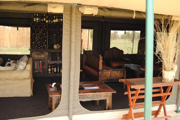 Mess tent Tanzania Bush Camp