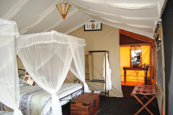 Bed Tanzania Bush Camp