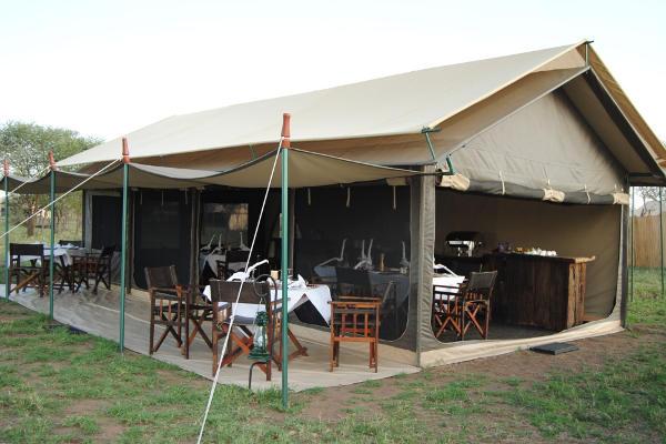 Tanzania Bush Camp dining