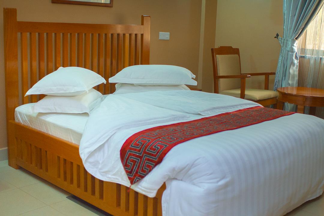 Summit safari Lodge double bed